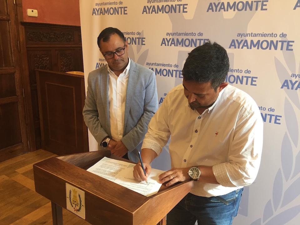 firma-convenio-clinica-san-roque